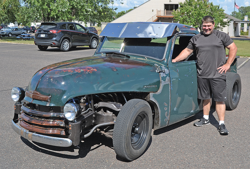 Build A Chevy Truck >> Colfax Man Combines Chevy Astro Van And 49 Chevy Truck To Build A