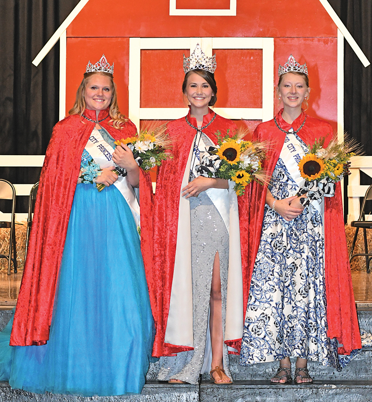 NEWLY CROWNED — The 2018-19 Miss Glenwood City court was crowned during a ceremony held at the Glenwood City High School on Saturday evening, September 8. From left to right are: Kaitlin Lee, second princess; Bethany Ullom, Miss Glenwood City; and Alexa Holden, first princess. —photo by Shawn DeWitt