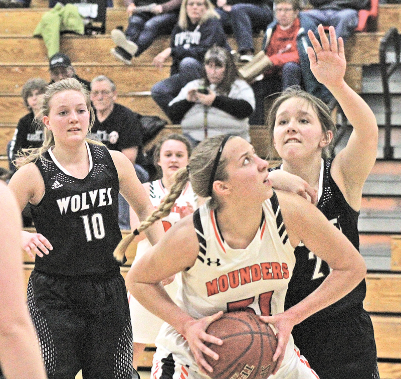 CAREER AND SEASON HIGH— Morgan Radtke hit a new career and season high last Friday evening against Elmwood-Plum City. At 11:58 of the second half Radtke hit her 27 points of the game to end the regular season on a high note. —photo by Amber Hayden