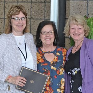 Elk Mound retiring teachers