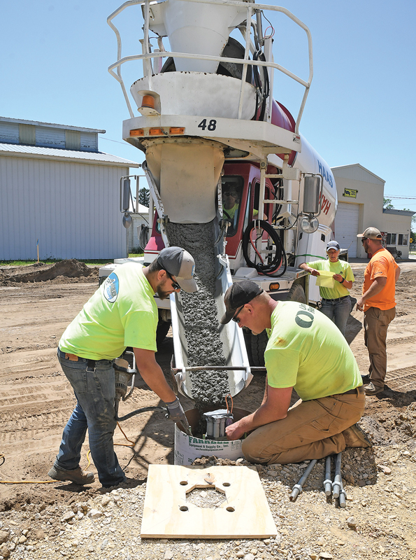 BV Main Street Construction cement pouring