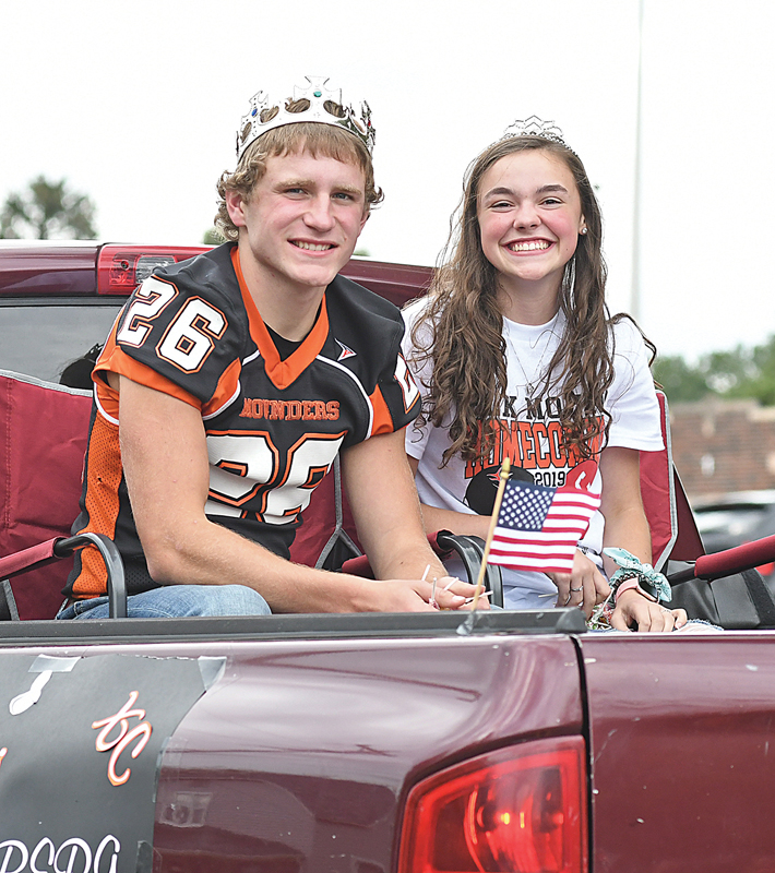 2019 EM Homecoming King and Queen