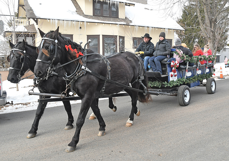 2019 Santa at GC Library horse drawn wagon rides