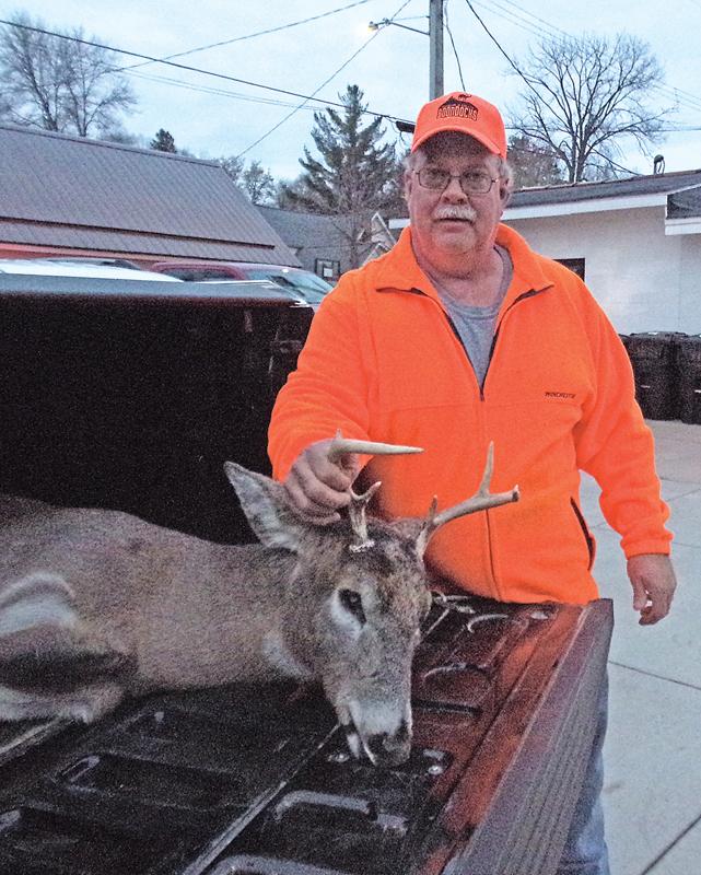 Gary Standaert with his buck