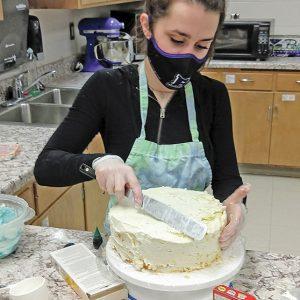 Tessa Stender BHS baking class