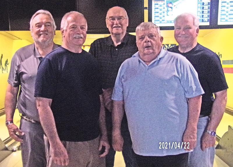 "2021 THURSDAY SENIOR LEAGUE CHAMPIONS is ""Boondocks/Fiddler's Green"" bowling team"