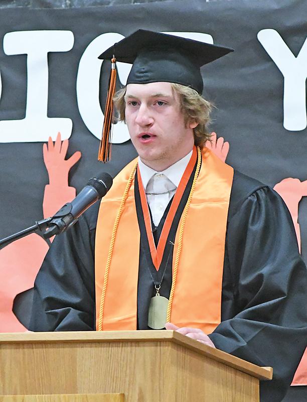2021 Elk Mound Graduation Nate Lew
