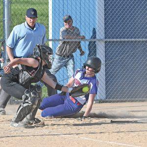 Glenwood City softball vs Elk Mound Maddie Oehlke