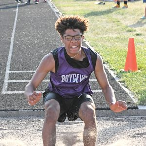 2021 Sectional Track Caden Wold