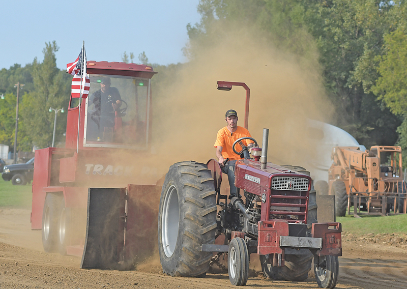 THIS TRACTOR was throwing dirt dirt during a pull at the Glenwood City FFA Alumni's annual Rustic Lore Days Tractor and Truck Pull held Saturday, September 11 at the St. Croix County Fairgrounds. —photo by Shawn DeWitt