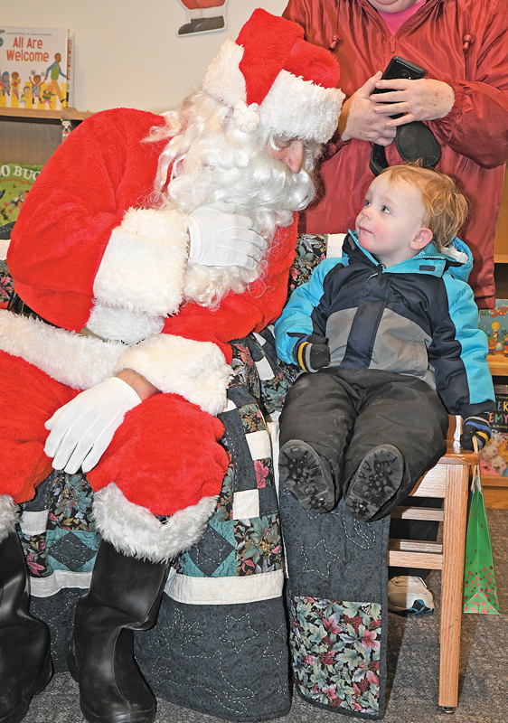 2018_Santa at GC Library_0061